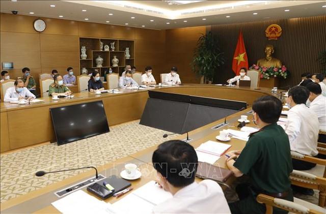 Phó Thủ tướng yêu cầu Bộ Y tế xây dựng kế hoạch cho kịch bản 30.000 người mắc COVID-19  - Ảnh 2.