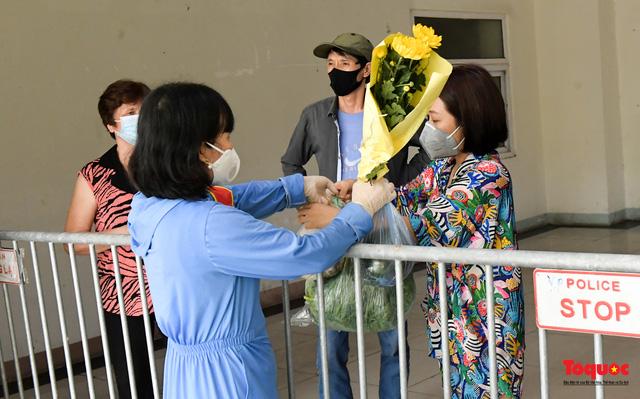 Hà Nội: Phong tỏa chung cư Đại Thanh sau khi ghi nhận ca dương tính với Covid -19 - Ảnh 12.