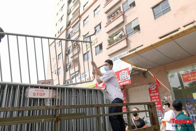 Hà Nội: Phong tỏa chung cư Đại Thanh sau khi ghi nhận ca dương tính với Covid -19 - Ảnh 3.