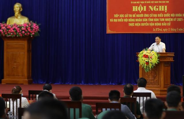 """Cử tri tỉnh Kon Tum: Bộ trưởng Nguyễn Văn Hùng đã nói """"đúng"""" và """"trúng"""" những khó khăn, tồn tại của địa phương - Ảnh 2."""