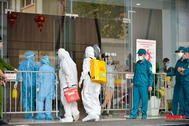 Hà Nội ban hành công điện tăng cường phòng, chống dịch COVID-19 tại Khu công nghiệp, cơ sở khám chữa bệnh - Ảnh 1.