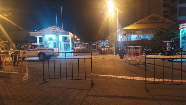 Đà Nẵng thêm 42 ca dương tính SARS-CoV-2, xử phạt nhiều trường hợp; Quảng Nam tạm dừng hoạt động vận tải hành khách đến các địa phương có dịch  - Ảnh 1.