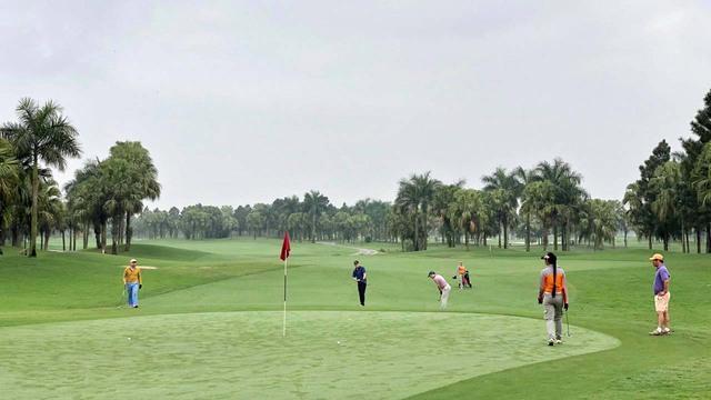 Hà Nội dừng toàn bộ các hoạt động thể thao tập trung đông người, sân golf - Ảnh 1.