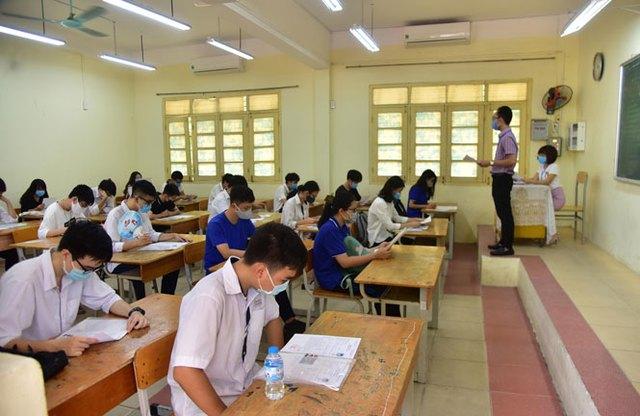 Chủ tịch Hà Nội yêu cầu tăng cường chỉ đạo kỳ thi tốt nghiệp THPT và tuyển sinh Đại học - Ảnh 1.