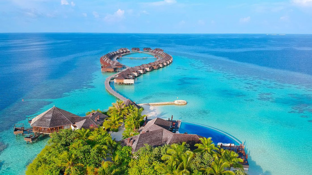 """Maldives cấm du khách từ Nam Á vào quốc đảo giữa """"sóng thần"""" Covid-19 - Ảnh 1."""