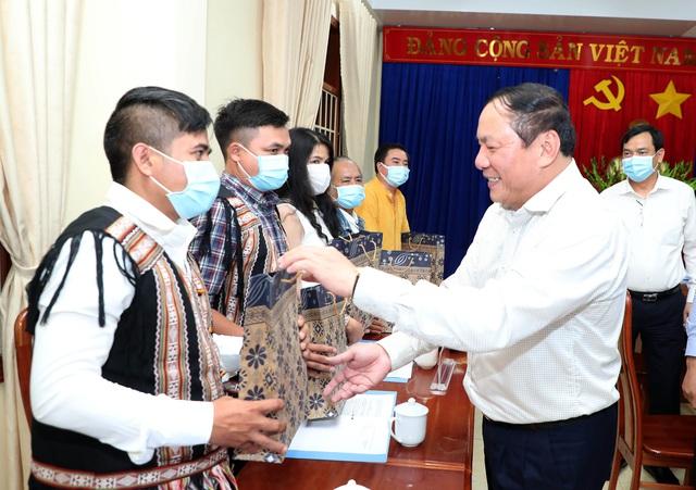 """Bộ trưởng Nguyễn Văn Hùng: """"Kon Tum có quang cảnh đẹp, sao không mạnh dạn đặt ước mơ trở thành trung tâm hội nghị của khu vực miền Trung-Tây Nguyên"""" - Ảnh 8."""