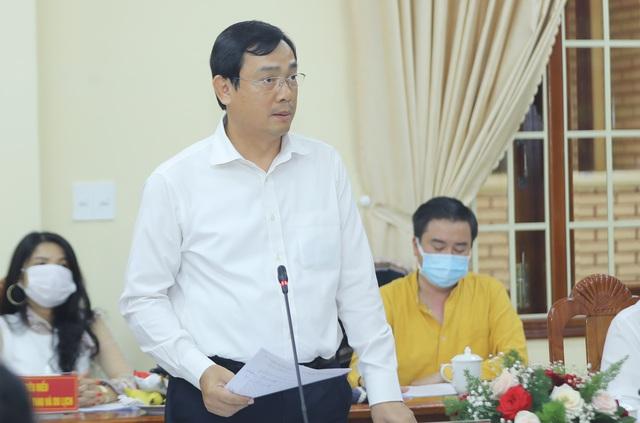 """Bộ trưởng Nguyễn Văn Hùng: """"Kon Tum có quang cảnh đẹp, sao không mạnh dạn đặt ước mơ trở thành trung tâm hội nghị của khu vực miền Trung-Tây Nguyên"""" - Ảnh 5."""