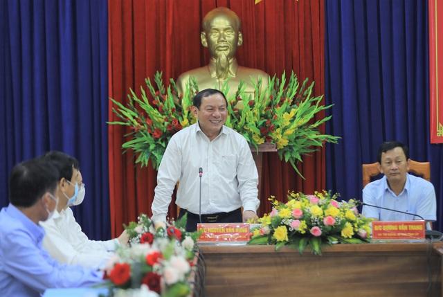 """Bộ trưởng Nguyễn Văn Hùng: """"Kon Tum có quang cảnh đẹp, sao không mạnh dạn đặt ước mơ trở thành trung tâm hội nghị của khu vực miền Trung-Tây Nguyên"""" - Ảnh 2."""