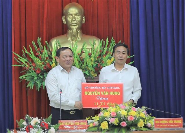 """Bộ trưởng Nguyễn Văn Hùng: """"Kon Tum có quang cảnh đẹp, sao không mạnh dạn đặt ước mơ trở thành trung tâm hội nghị của khu vực miền Trung-Tây Nguyên"""" - Ảnh 9."""