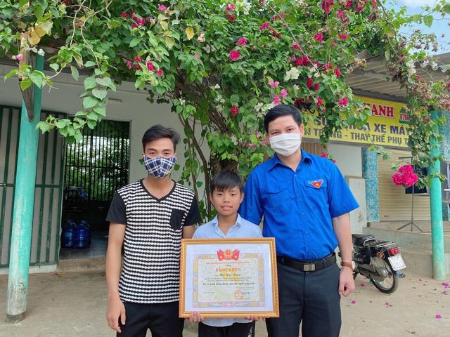 Quảng Bình: Một học sinh dũng cảm cứu người gặp nạn - Ảnh 1.