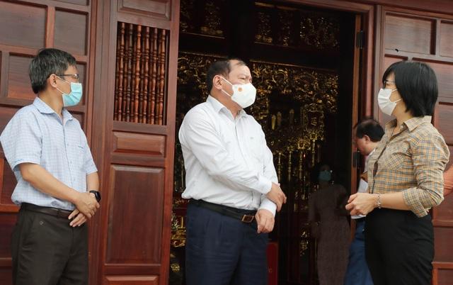 Bộ trưởng Nguyễn Văn Hùng thăm di tích khảo cổ thời đại Đá cũ Rộc Tưng và Khu di tích lịch sử-văn hóa Tây Sơn Thượng (Gia Lai) - Ảnh 2.