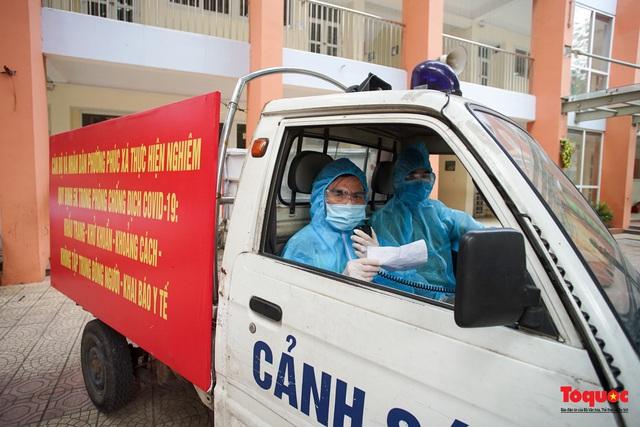 Hà Nội diễn tập ứng phó phòng dịch Covid-19 ở điểm bầu cử - Ảnh 4.
