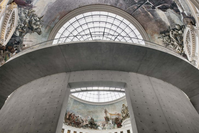 Ấn tượng bên trong bảo tàng nghệ thuật đương đại Bourse de Commerce - Ảnh 3.