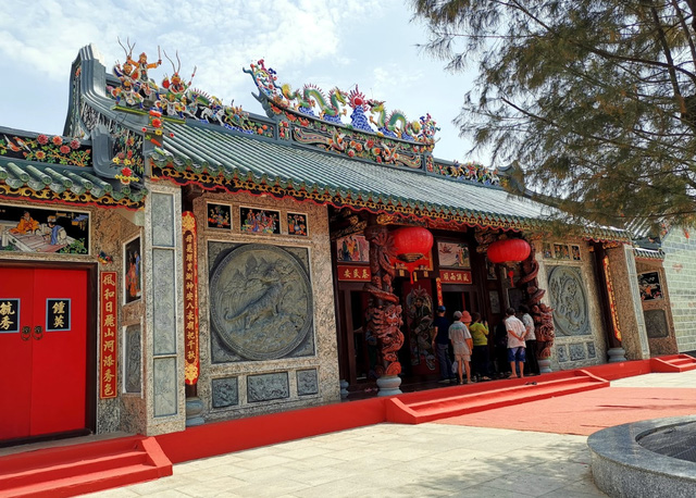 Nghệ nhân Dương Cao Lãnh: Nỗ lực gìn giữ giá trị văn hoá tín ngưỡng - Ảnh 1.