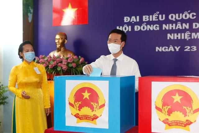 Chùm ảnh: Lãnh đạo Đảng, Nhà nước tham gia bỏ phiếu thực hiện quyền bầu cử - Ảnh 11.