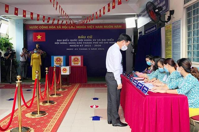 Chùm ảnh: Lãnh đạo Đảng, Nhà nước tham gia bỏ phiếu thực hiện quyền bầu cử - Ảnh 10.