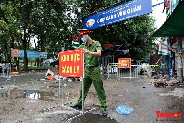 Hà Nội: phong tỏa tạm thời chợ Xanh Văn Quán vì có ca nghi mắc Covid-19 ghé qua - Ảnh 2.