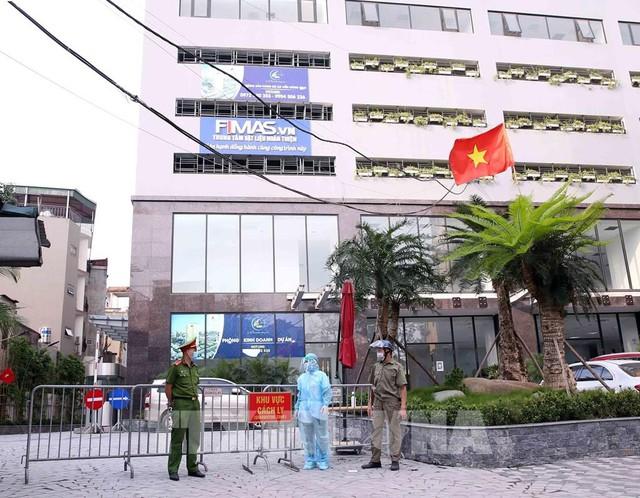 Thủ tướng chấn chỉnh những bất cập và tăng cường công tác phòng chống dịch - Ảnh 1.
