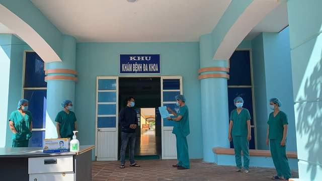 Thừa Thiên Huế chi viện giúp Bắc Giang chống dịch, bệnh nhân COVID-19 duy nhất tại Quảng Ngãi xuất viện - Ảnh 3.