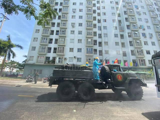 Phong tỏa chung cư 12T3, khu dân cư quanh vũ trường lớn nhất Đà Nẵng - Ảnh 16.