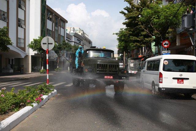 Phong tỏa chung cư 12T3, khu dân cư quanh vũ trường lớn nhất Đà Nẵng - Ảnh 7.