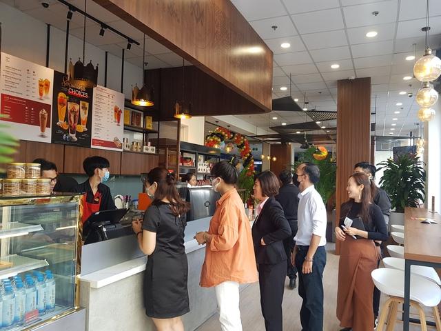 """King Coffee tưng bừng khai trương 2 cửa hàng mới tại thành phố """"trong lòng"""" thành phố - Ảnh 3."""