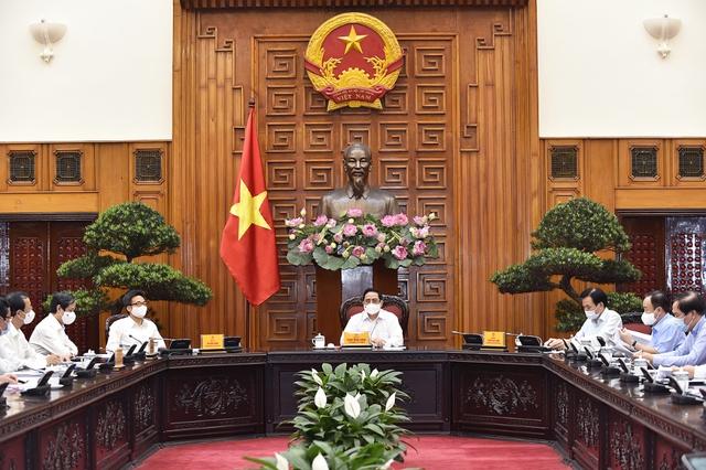 Thủ tướng Phạm Minh Chính: Chuyển tư duy giáo dục từ trang bị kiến thức sang trang bị năng lực toàn diện - Ảnh 3.