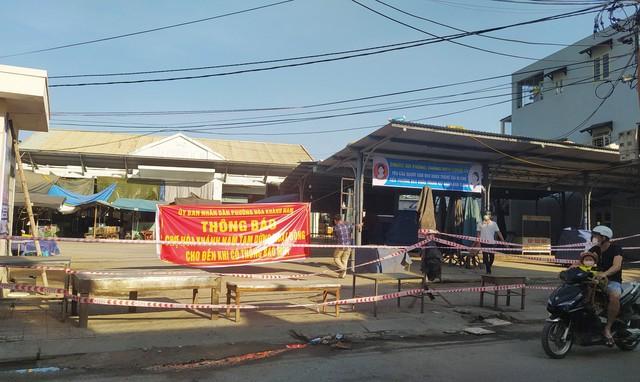 Đà Nẵng thêm 2 ca dương tính SARS-CoV-2, Thừa Thiên Huế lập chốt kiểm soát tăng cường phòng chống dịch - Ảnh 1.