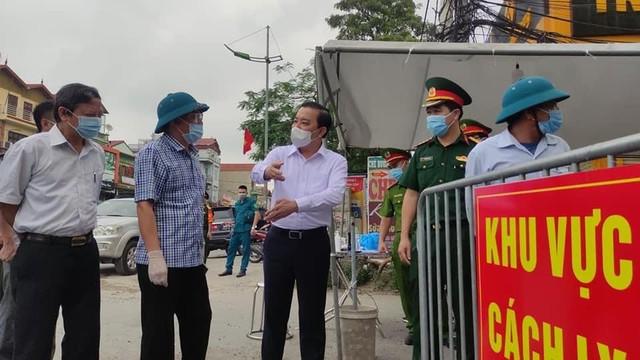 Khẩn trương xét nghiệm sàng lọc ở ổ dịch tại xã Tô Hiệu (Thường Tín), phải thực hiện đúng việc cách ly nhà với nhà, người với người - Ảnh 2.