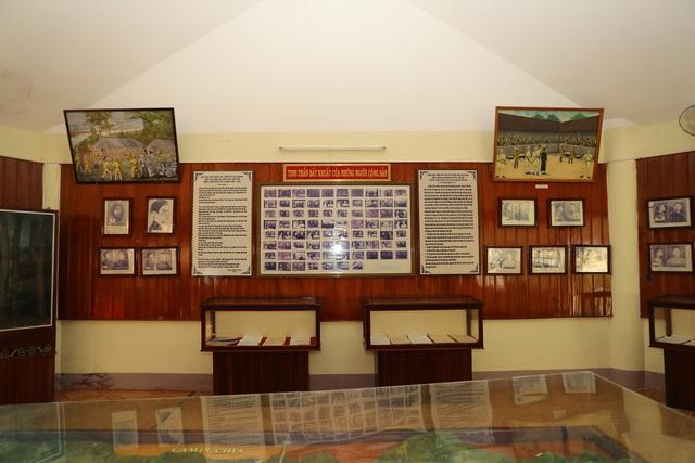 Bộ trưởng Nguyễn Văn Hùng thăm Di tích lịch sử cấp Quốc gia Ngục Kon Tum và Bảo tàng tỉnh Kon Tum - Ảnh 4.