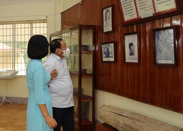 Bộ trưởng Nguyễn Văn Hùng thăm Di tích lịch sử cấp Quốc gia Ngục Kon Tum và Bảo tàng tỉnh Kon Tum - Ảnh 5.