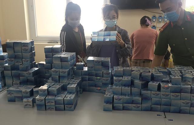 Hà Nội: Triệt phá đường dây sản xuất gần 1 tấn mỹ phẩm giả  - Ảnh 2.