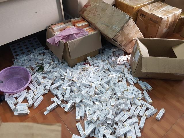 Hà Nội: Triệt phá đường dây sản xuất gần 1 tấn mỹ phẩm giả  - Ảnh 3.