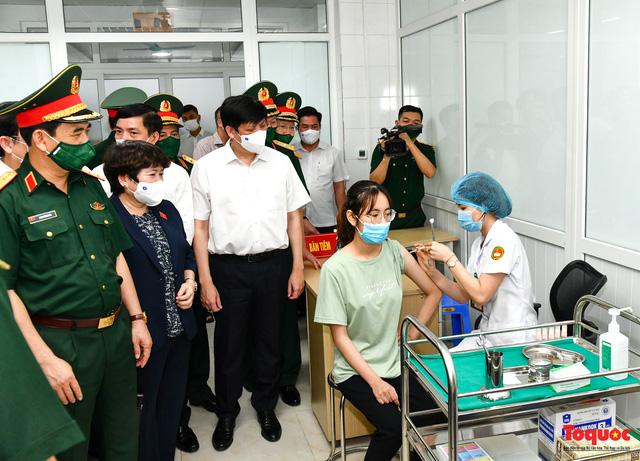 Chủ tịch Quốc hội Vương Đình Huệ làm việc tại Viện Nghiên cứu y dược học quân sự và Học viện Quân y - Ảnh 4.