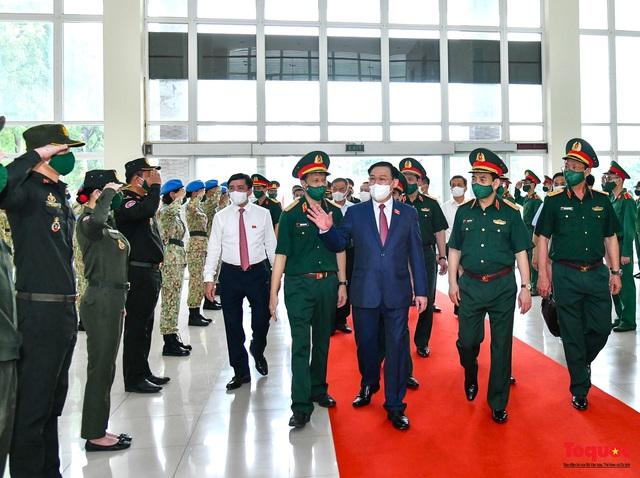 Chủ tịch Quốc hội Vương Đình Huệ làm việc tại Viện Nghiên cứu y dược học quân sự và Học viện Quân y - Ảnh 6.