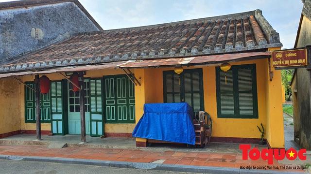 Nhiều hàng quán ở phố cổ Hội An vẫn chưa mở cửa dù đã được phép - Ảnh 7.