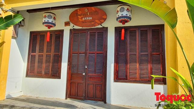 Nhiều hàng quán ở phố cổ Hội An vẫn chưa mở cửa dù đã được phép - Ảnh 4.