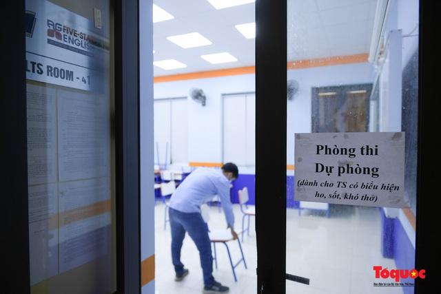Hà Nội phun khử khuẩn, vệ sinh lớp học sẵn sàng cho kỳ thi vào lớp 10 - Ảnh 12.