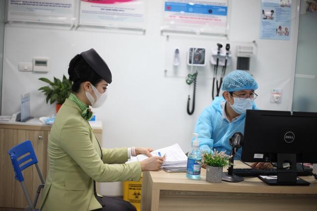 Hàng nghìn cán bộ nhân viên Bamboo Airways tiêm vaccine phòng Covid-19 - Ảnh 6.