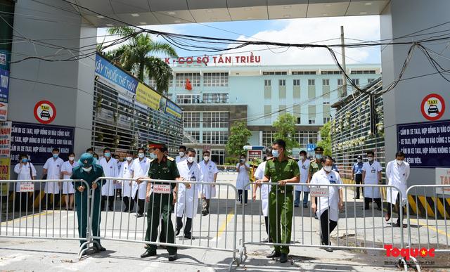 Hà Nội: Chính thức kết thúc cách ly y tế Bệnh viện K Tân Triều - Ảnh 3.