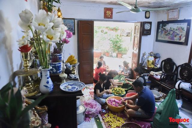 Gia đình Hà Nội suốt 70 năm làm trà ướ sen thứ trà hảo hạng, giá cả chục triệu/kg - Ảnh 7.