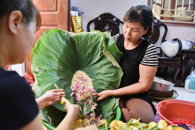 Gia đình Hà Nội suốt 70 năm làm trà ướ sen thứ trà hảo hạng, giá cả chục triệu/kg - Ảnh 8.