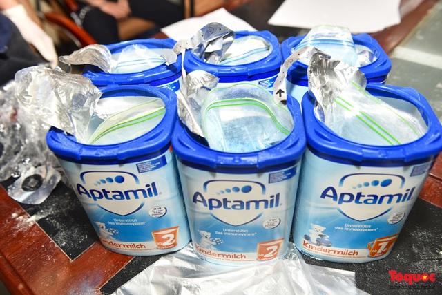 Thu giữ hàng tạ ma túy giấu trong sữa hộp, băng vệ sinh... được vận chuyển qua đường hàng không về Việt Nam - Ảnh 1.