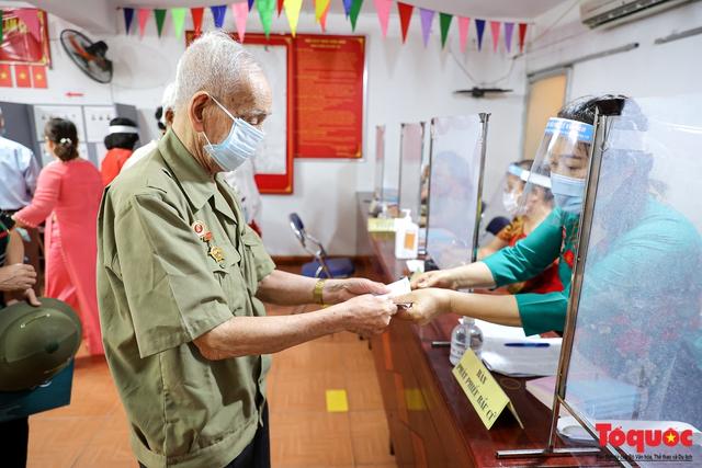 Cuộc bầu cử ở Hà Nội để lại nhiều ấn tượng, tình cảm tốt đẹp trong lòng nhân dân - Ảnh 1.