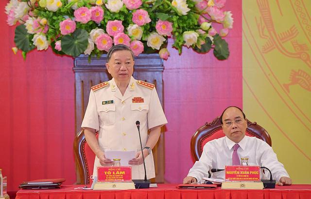 Công bố quyết định của Bộ Chính trị chỉ định nhân sự Đảng ủy công an Trung ương - Ảnh 4.