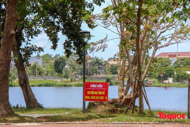 Người dân Thừa Thiên Huế chật vật mưu sinh giữa nắng nóng - Ảnh 10.