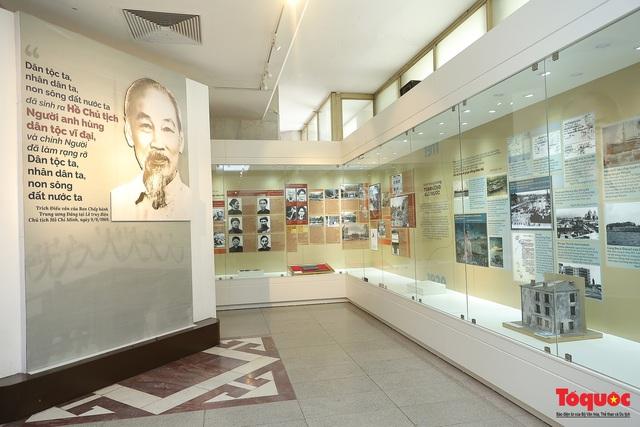 """Giới thiệu hơn 300 ảnh, tài liệu và hiện vật về Bác Hồ ở trưng bày chuyên đề """"Người đi tìm hình của nước"""" - Ảnh 18."""