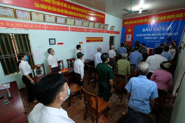 Hơn 1.000 cử tri Hà Nội đi bầu cử lại - Ảnh 4.