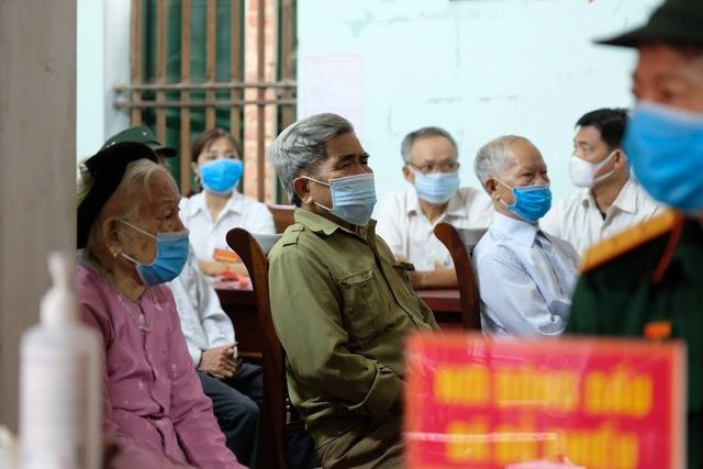 Hơn 1.000 cử tri Hà Nội đi bầu cử lại - Ảnh 6.