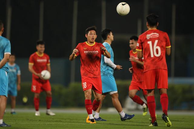 HLV Park Hang-seo công bố danh sách loại 6 cầu thủ trước trận gặp Indonesia - Ảnh 1.
